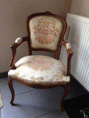 Annie sloan chalk paint op stoffen stoelen for Stof om stoel te bekleden