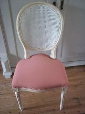 Annie sloan chalk paint voorbeelden stoffen stoelen for Stof om stoel te bekleden